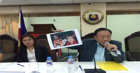 Solicitor General Jose C. Calida released a photo of Sen. Leila de Lima with inmate Jaybee Sebastian